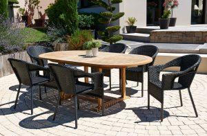 Decoraci n con muros vegetales - Mesa y sillas terraza ...